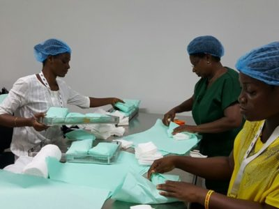 2016.06.00 Training and Transition - PART OF CSSD STAFF PREPARING PACKAGES TO BE STERILIZEDjpg